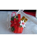 New Christmas Wish Basket Pin Red Wicker Poinsettia Candy Cane Vtg Avon NIB Mint - $6.92