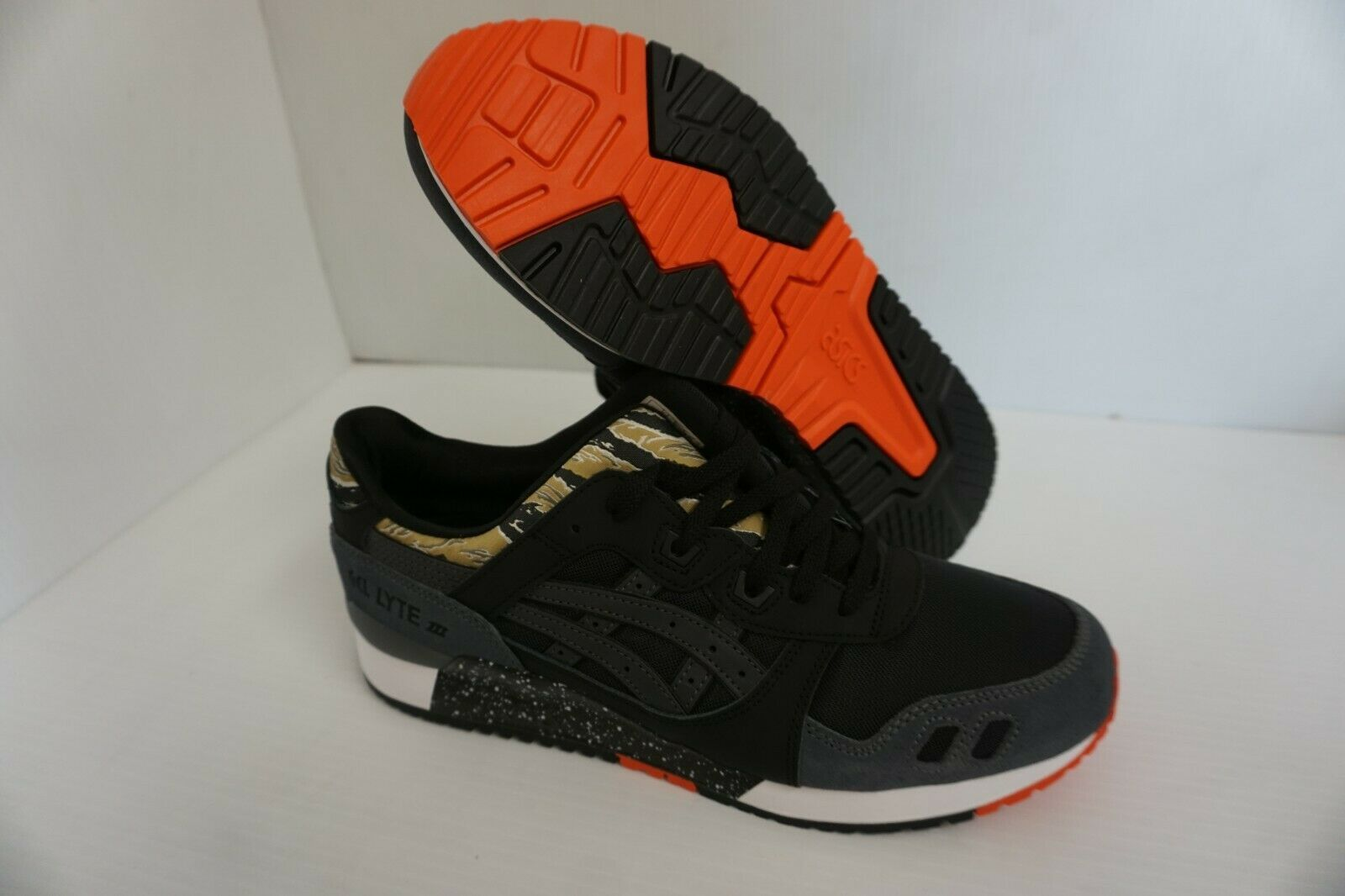 Primary image for Asics mens gel lyte iii running shoes tiger black orange size 9 us
