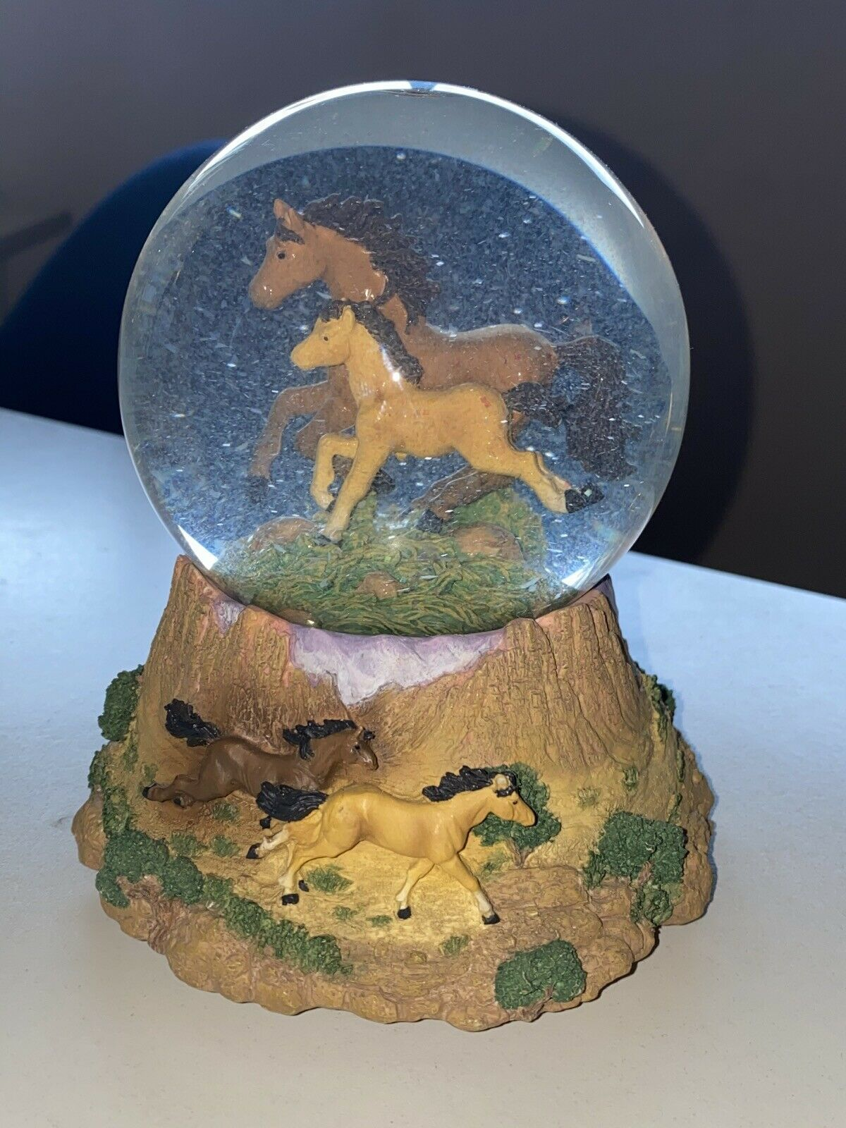 Primary image for National Geographic Mustang Water Globe San Francisco Music Box Free as the Wind