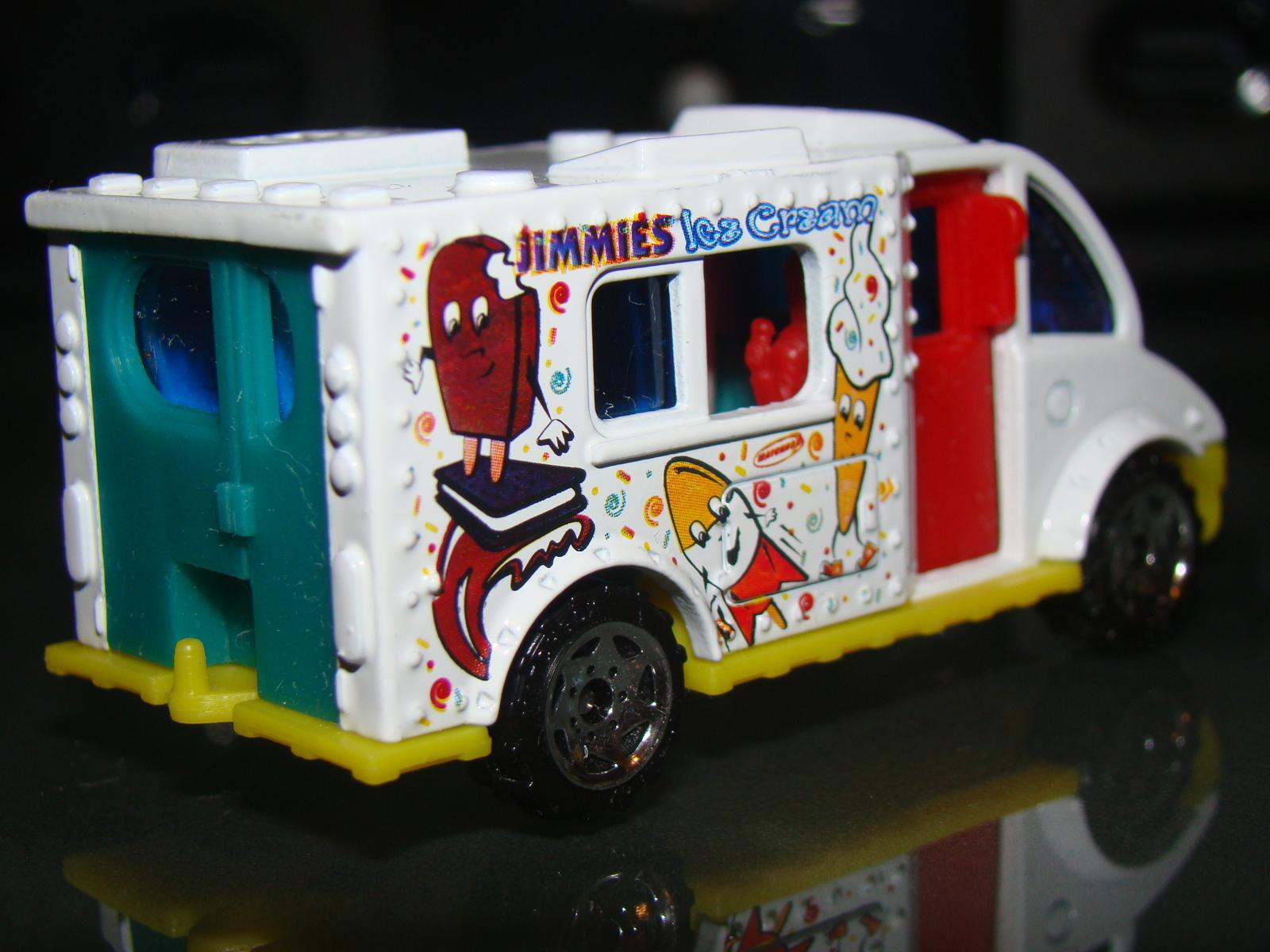 Charming ... MATCHBOX   ICE CREAM TRUCK (Loose) ...