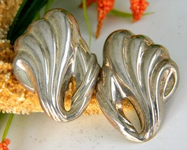 Vintage Sterling Silver 925 Earrings Puffy Wave Swirl Shell  - $34.95