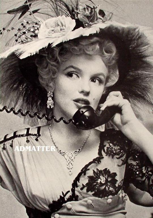 Marilyn Monroe Pin-up Poster Victorian Flower Hat Dress RARE photo!