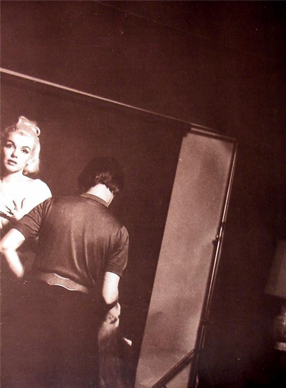 Marilyn Monroe Candid 9X12  2-Sided candid Pinup Poster