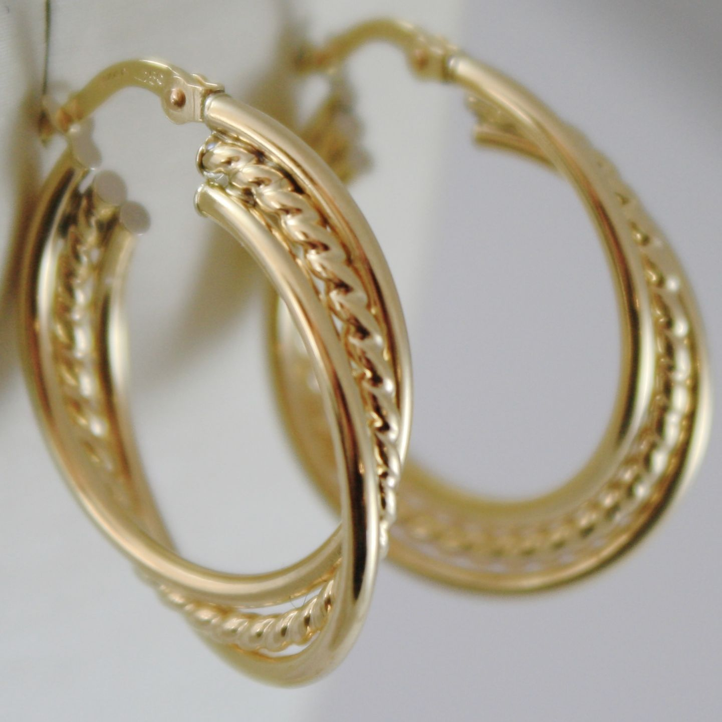 SOLID 18K YELLOW GOLD CIRCLE, HOOP TWISTED WORKED EARRINGS, MADE IN ITALY