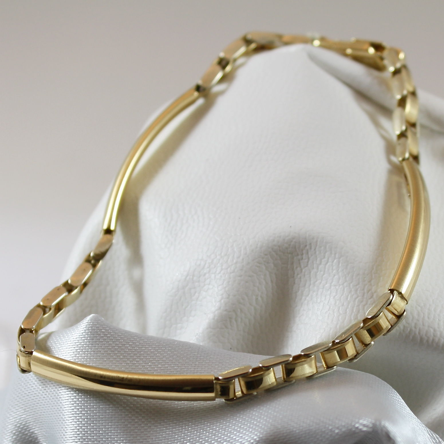 18K 750 YELLOW GOLD SOLID BRACELET, YELLOW SATIN GOLD WITH PLATE MADE IN ITALY