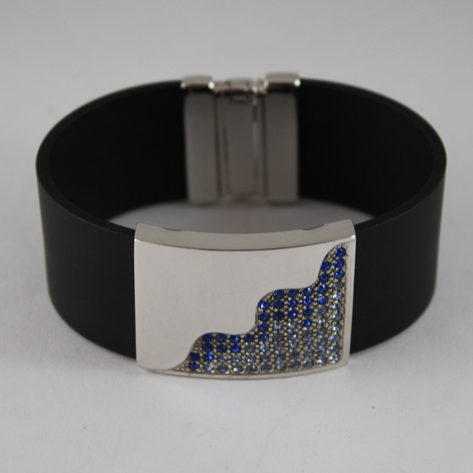 .925 RHODIUM SILVER BRACELET WITH RUBBER AND PLATE WITH BLUE CRISTALS