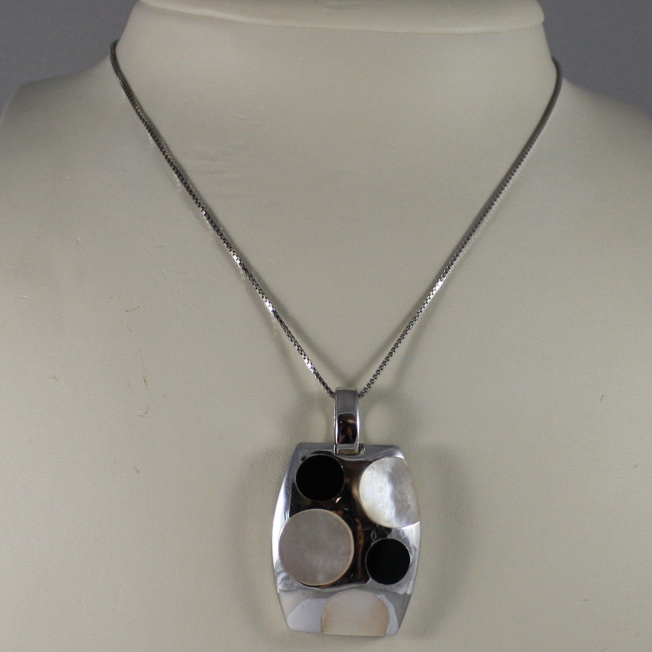 .925 SILVER RHODIUM NECKLACE WITH RECTANGULAR PENDANT, MOTHER OF PEARL AND ONYX