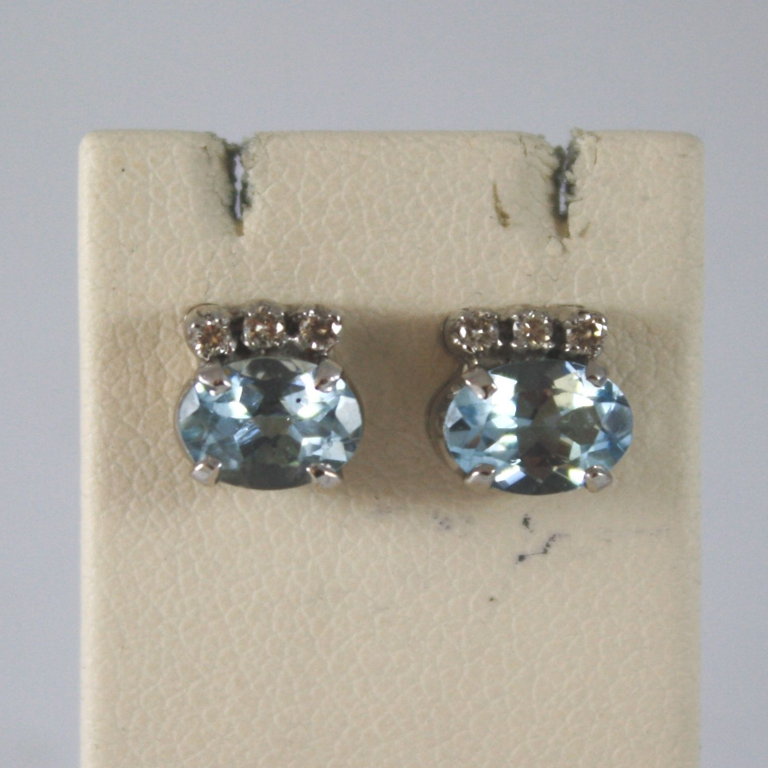 18K SOLID WHITE GOLD EARRINGS WITH AQUAMARINE CT. 1,40 AND DIAMONDS CT. 0,11