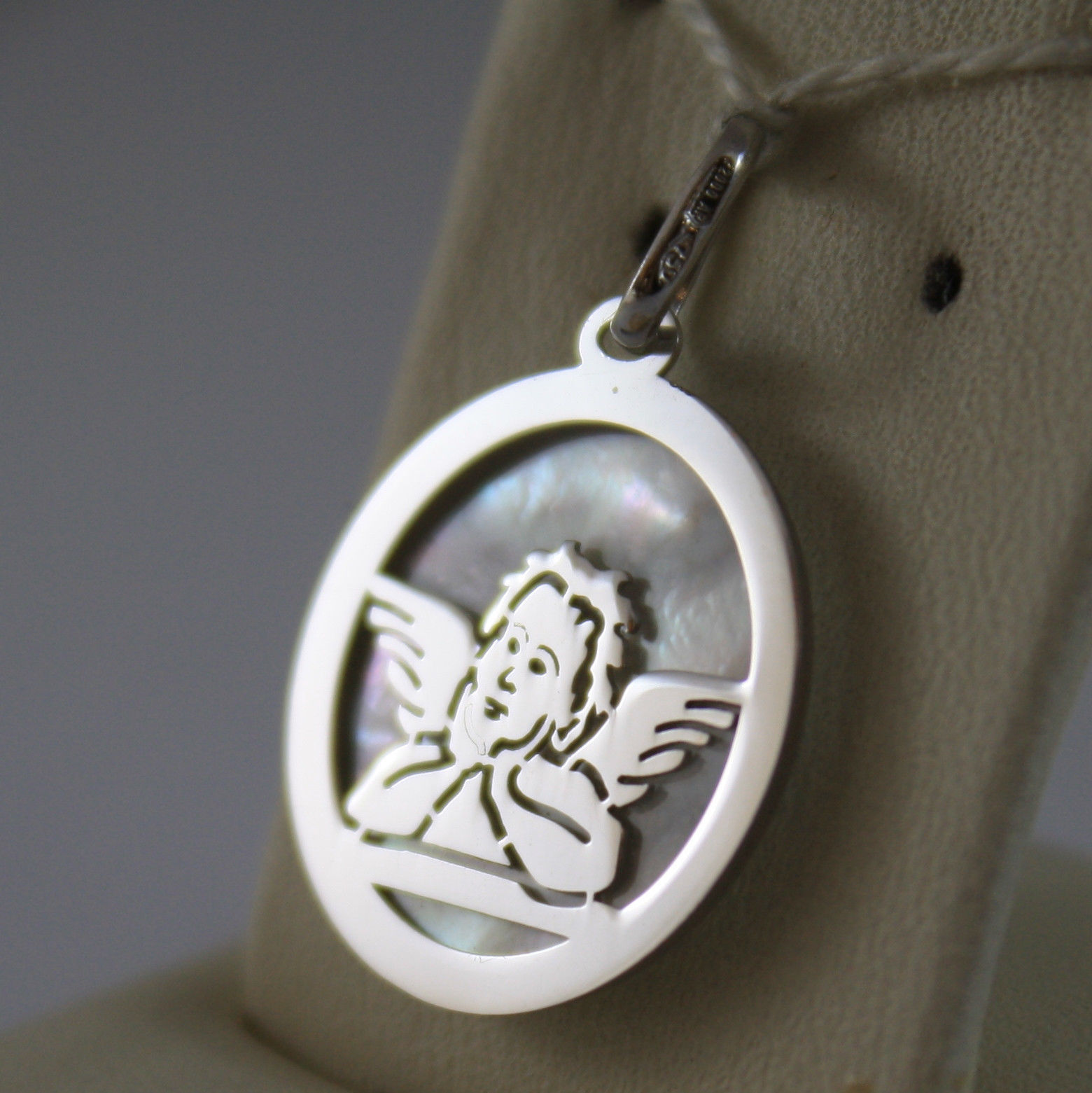 SOLID 18K WHITE GOLD MEDAL PENDANT GUARDIAN ANGEL WITH MOTHER OF PEARL