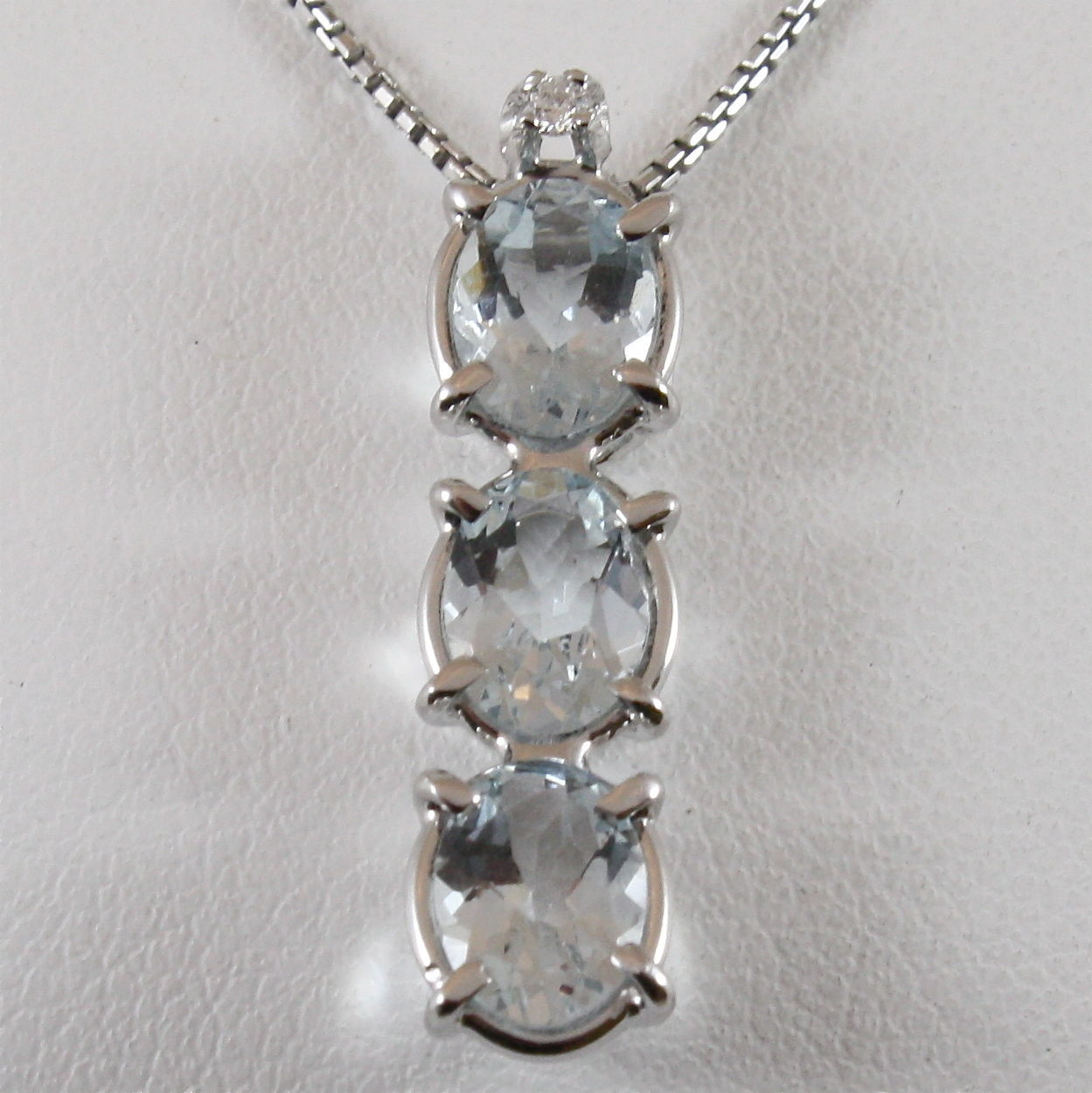 18K WHITE GOLD NECKLACE AQUAMARINE CT 2.50 PENDANT AND DIAMOND CT 0.02, ITALY