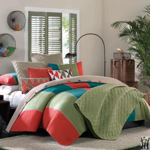 Hampton Hill Martinique King Comforter Set