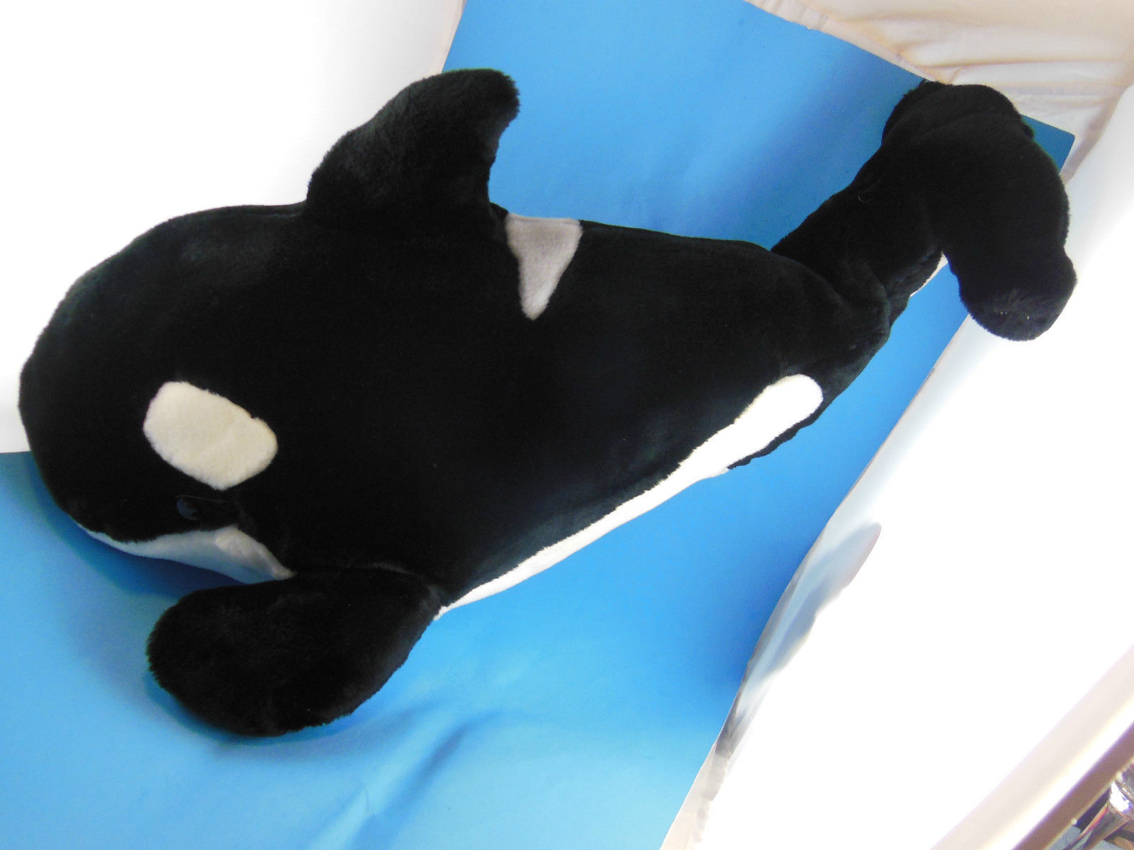 "Primary image for Sea World Souvenir Killer Whale Orca Plush 21"" plus beverage container w straw"
