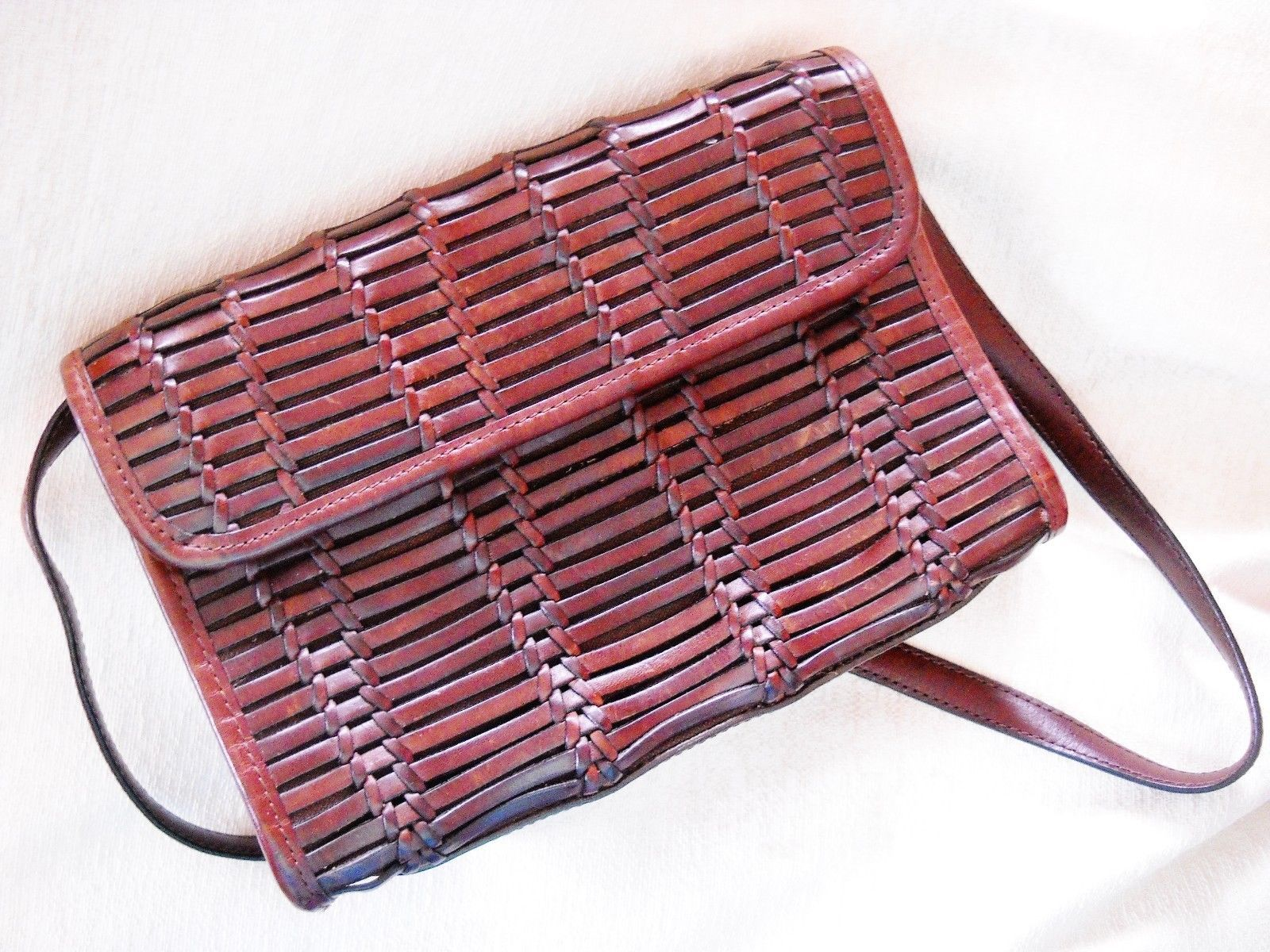 Primary image for VINTAGE ANN TAYLOR BROWN WOVEN LEATHER PURSE W. DETACHABLE LEATHER STRAP