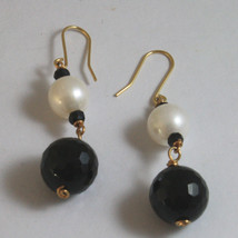 SOLID 18K YELLOW GOLD EARRINGS, WITH BLACK ONYX AND WHITE PEARL, LENGTH 2 INCHES image 2