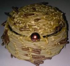 Pine Needle Basket with Lid image 1