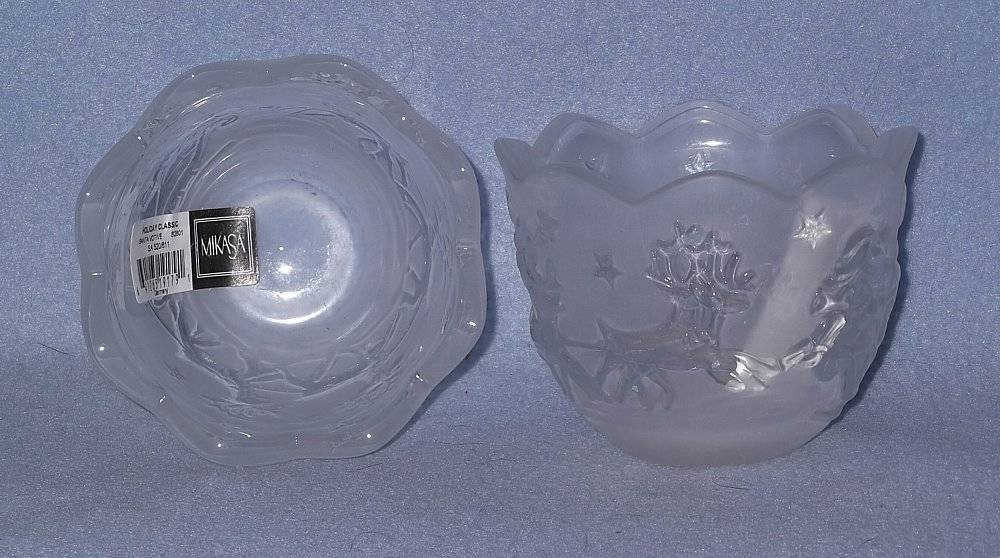 "Mikasa Holiday Classics 2 Santa 3"" Votive Candle Holders SA 520/611 Glass"