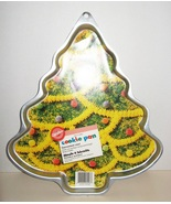WILTON Cookie Pan Mold Christmas Tree Large 199... - $5.00
