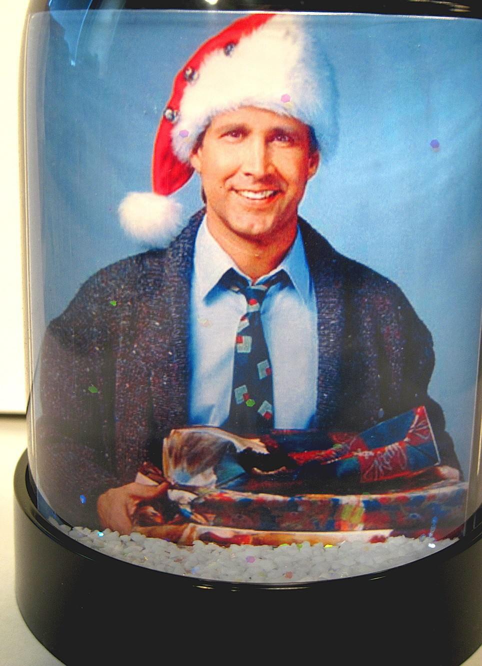 Chevy Chase Christmas Vacation.National Lampoon S Christmas Vacation Snow Globe Clark Griswold Snowglobe Chase