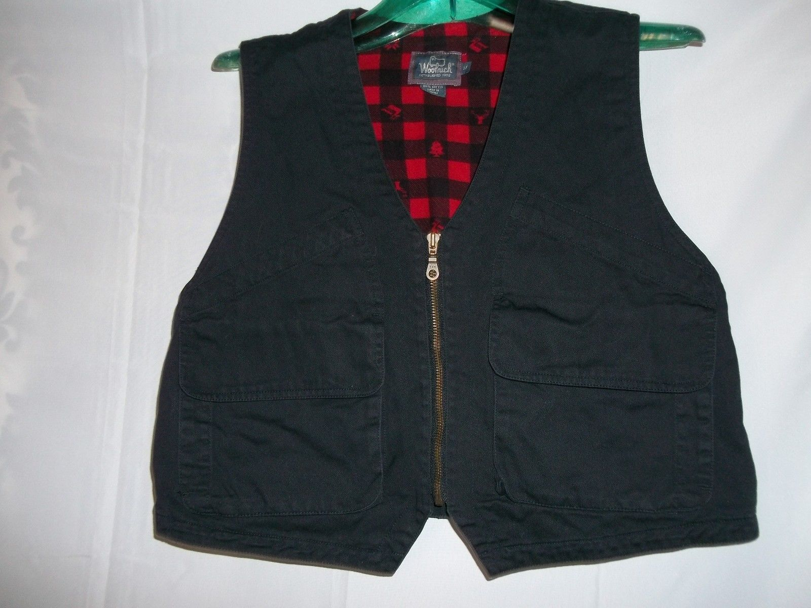 Women's  Size M Woolrich Black & Red Zipped Up VEST