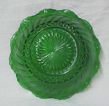 Forest Green Scallop Edge Swirl Glass Berry Nut... - $24.47