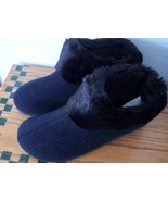 Black knit & faus fur Isotoner SLIPPERS Size 7.5 Machine Washable  NEW - $10.84