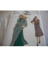 Misses' Very Easy Dress or Tunic, Skirt & Ascot Pattern Vogue 7174 - $7.00