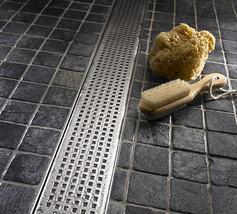 Quartz shower grates quadrato thumb200