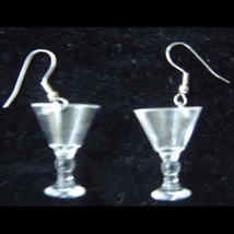 MARTINI COSMO GLASS EARRINGS-Bar Drink Party Liquor Novelty Funky Jewelr... - $5.97