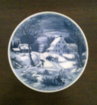 The Homestead In Winter Currier and Ives Small Decorative Plate Blue & W... - $8.59