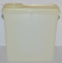 Vintage Opaque Tupperware Cereal Store N' Pour with Lid Canister 469-6 - $9.50