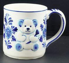 Handpainted DELFT BLUE BEAR & FLOWERS Coffee Mug DAIC Vintage 1984 - $11.99