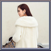 Thick Soft Warm White Snow Mink Wide Collar and Lapel Long Sleeved Faux Fur Coat image 3