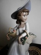 Lladro Sweet Flowers (Macy's exclcusive) # 6940, Mint, Retired with original box - $459.99