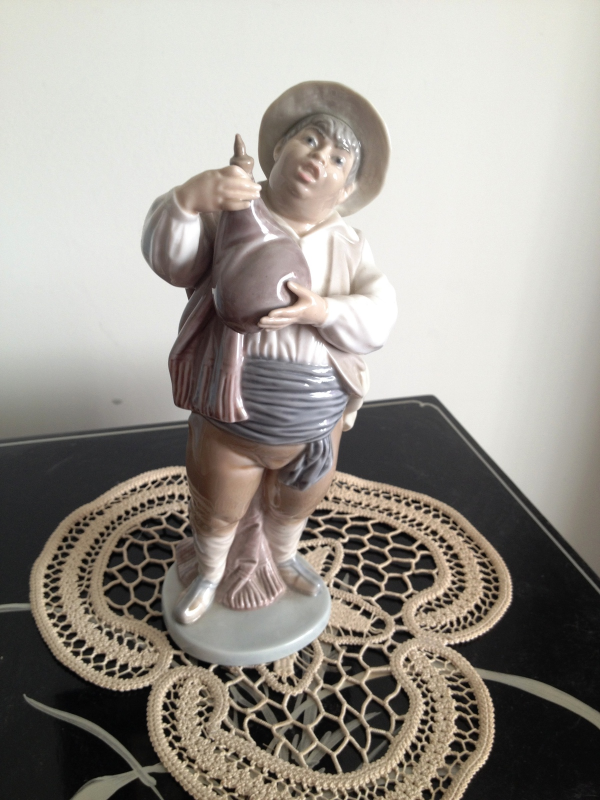 Primary image for Lladro ~ A Toast by Sancho # 5165 ~ Retired ~ RARE ~ Mint condition.