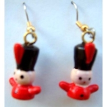 TOY SOLDIER EARRINGS-Holiday Gift Jewelry-3d Wood Nutcracker-SM - $6.97