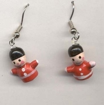 TOY SOLDIER EARRINGS-Holiday Gift Jewelry-3d Wood Nutcracker-TNY - $4.97