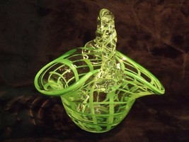 VINTAGE STRIPED GREEN AND CLEAR SQUARE PATTERN VENETIAN ART GLASS BASKET - $29.70
