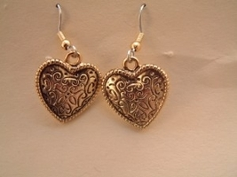 HEART EARRINGS-Vintage Valentines Day Gift Jewelry-Fancy Gold-A - $6.97