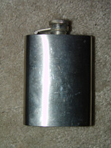 VINTAGE STAINLESS STEEL WHISKEY FLASK (Magpie Treehouse) - €8,97 EUR