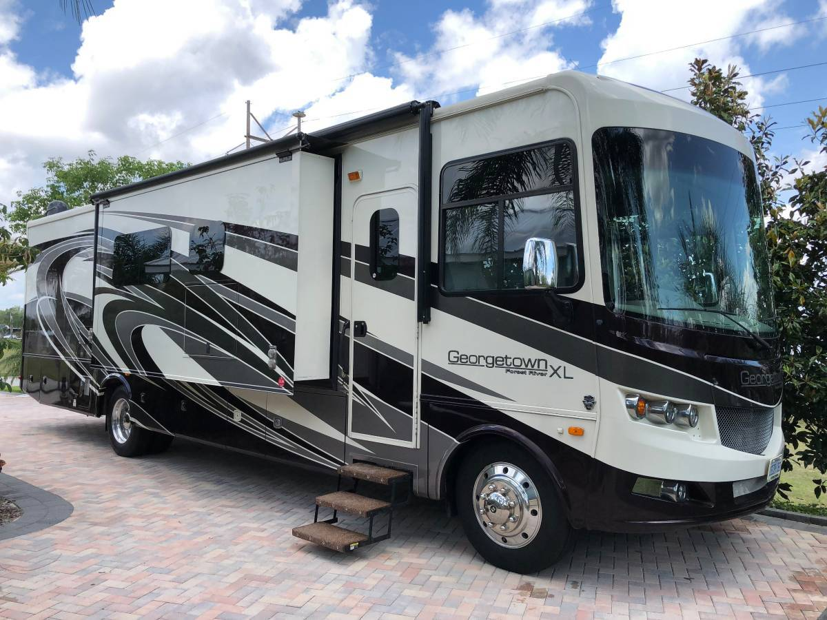 2017 Georgetown 377XL For Sale in Polk City, Florida 33868