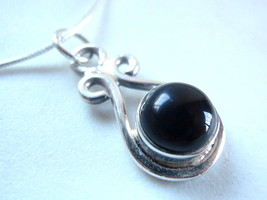 Small Black Onyx Round 925 Sterling Silver Necklace Corona Sun Jewelry - $328,33 MXN