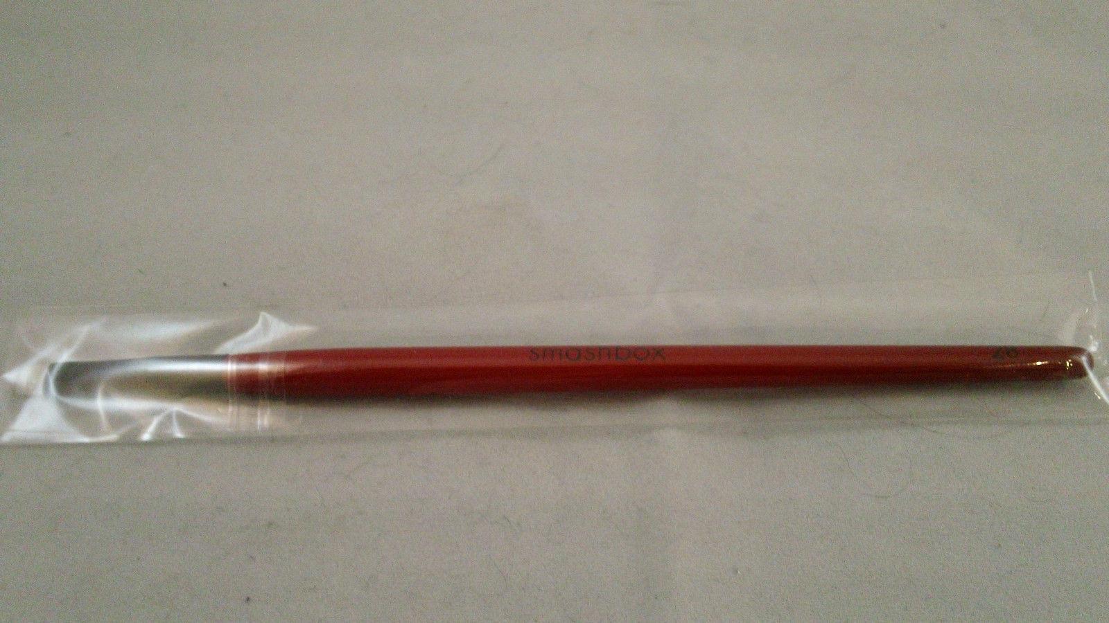 Smashbox Precision Eye Liner Brush #28 flat for Cream and Gel Eyeliner - $18.09