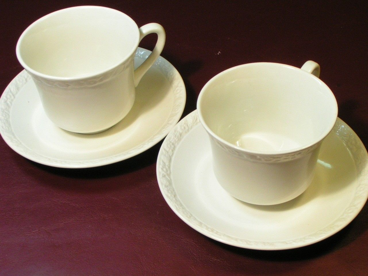 Hedge Rose White by Wedgwood LOT 2 CUPS + 2 SAUCERS