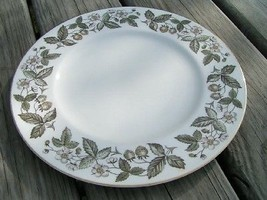 Strawberry Hill by Wedgwood China DINNER PLATE Vintage - $28.04