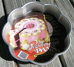 """Round 9"""" Petal Wilton CAKE PAN Mold baking 502-1263 - $622,63 MXN"""