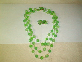 Costume jewelry 1950s green bead necklace earring set 3 strand vintage p... - $30.00
