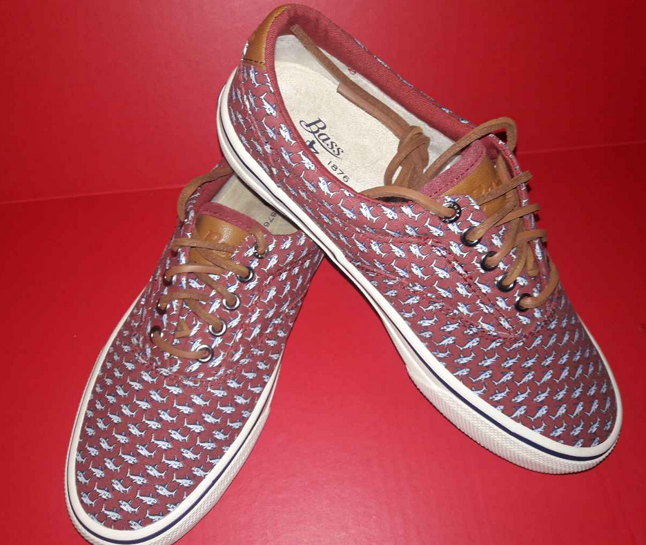 fb325fee3e56 G. H. BASS CLASSIC COMPASS BOAT DECK SHOES Red Men s 7.5 M Sharks Pattern  NEW