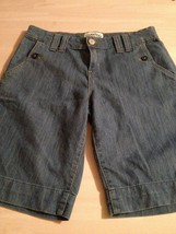 Levi's Women's Shorts Signature 4 Pocket Denim Shorts Size 32 - $10.92