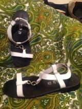 Women's White Mountain White Genuine Leather Slip On T~Strap Sandals Size 10M - $19.79