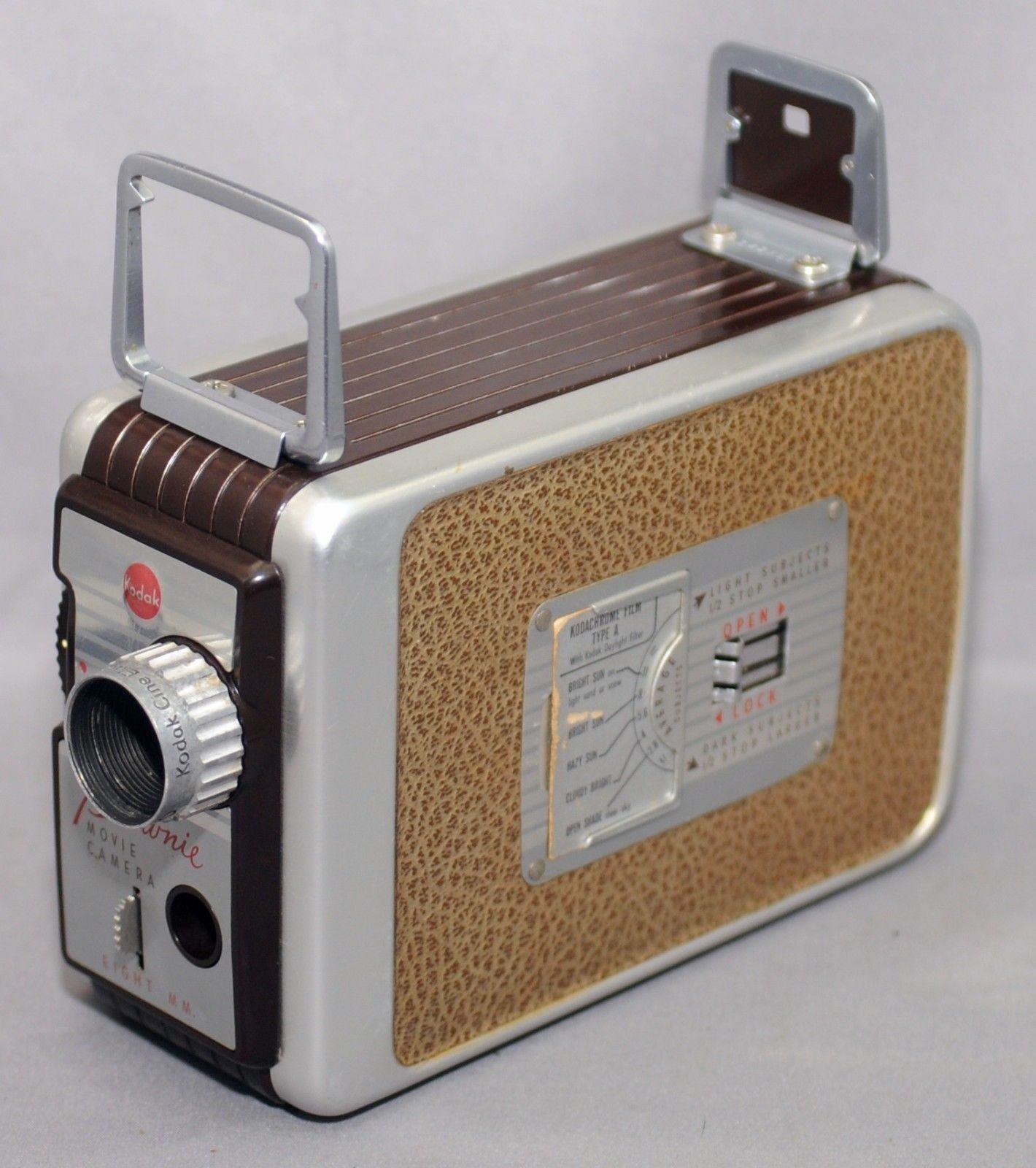 KODAK BROWNIE EIGHT MM 8mm Vintage Movie Camera Cine Ektanon f/2.7 13mm lens USA